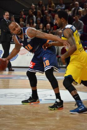 Hanse Game: Eisbären Bremerhaven vs. EWE Baskets