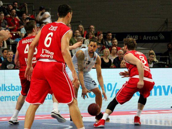 Hanse Game: Eisbären Bremerhaven vs. Brose Bamberg