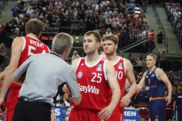 Hanse Game: Eisbären Bremerhaven vs. FC Bayern München