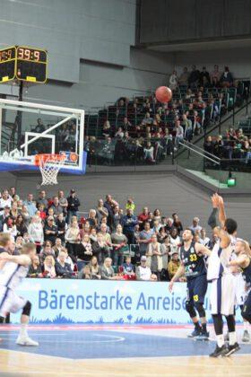 Hanse Game: Eisbären Bremerhaven vs. ALBA Berlin