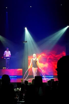 �Elektro� im GOP Varieté-Theater Bremen