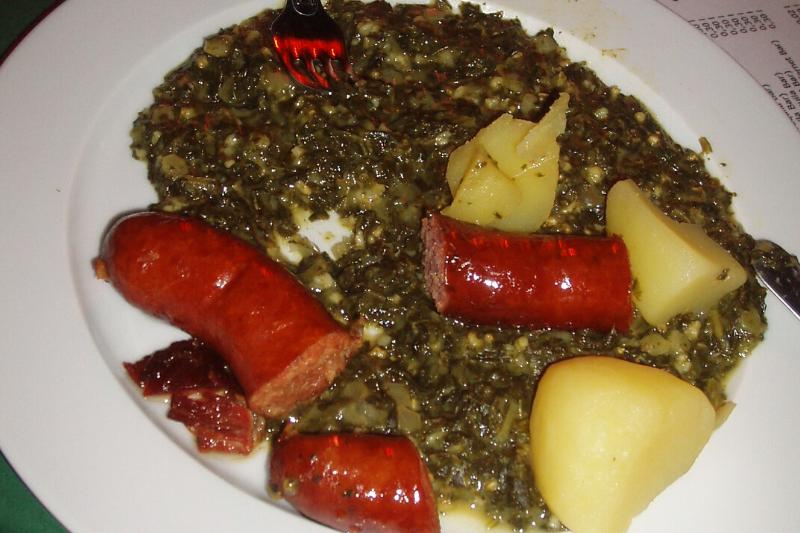 Grünkohl mit Kochwurst und Kartoffeln